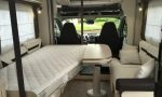Chausson-Welcome-630-camper-hefbed-naast-zitje